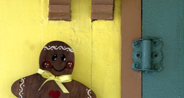 Make a ginger man costume from brown felt.