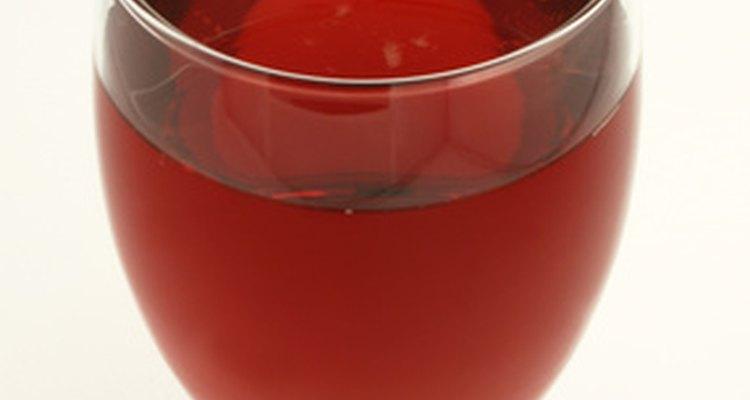 O suco de cranberry é um remédio eficaz contra infecções urinárias