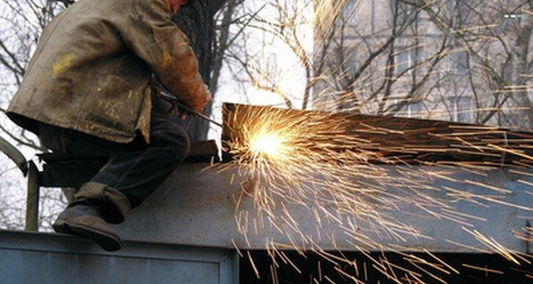 La soldadura destructiva debe usarse algunas veces para encontrar defectos.