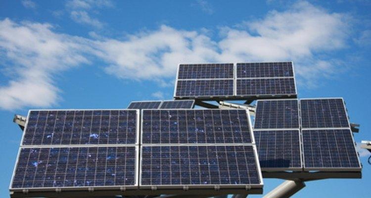 Los paneles solares fotovoltaicos son una forma de recoger y almacenar energía eléctrica.
