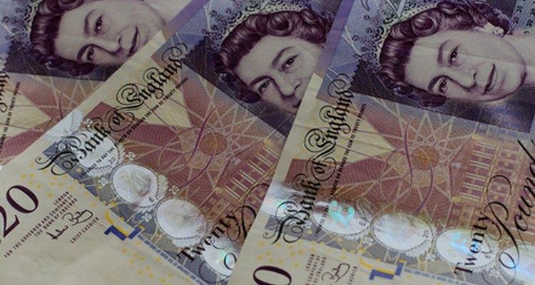 Haz arreglos para dinero extranjero a través de tu banco.