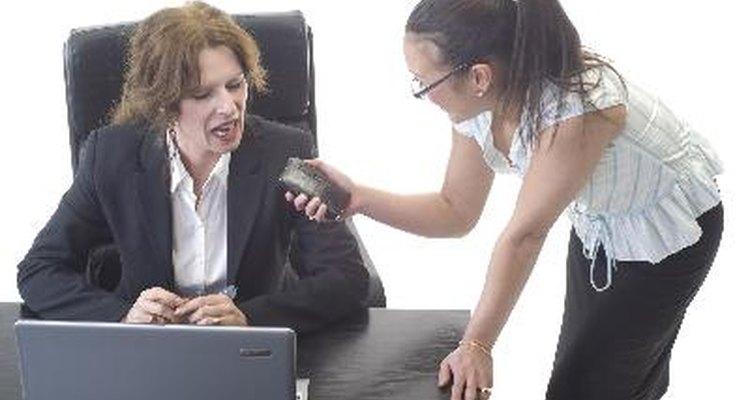 Debes tener en cuenta distintos aspectos si la entrevista es en vivo.