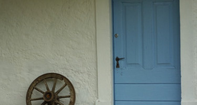 Replacing a door sill is a simple step-by-step process.