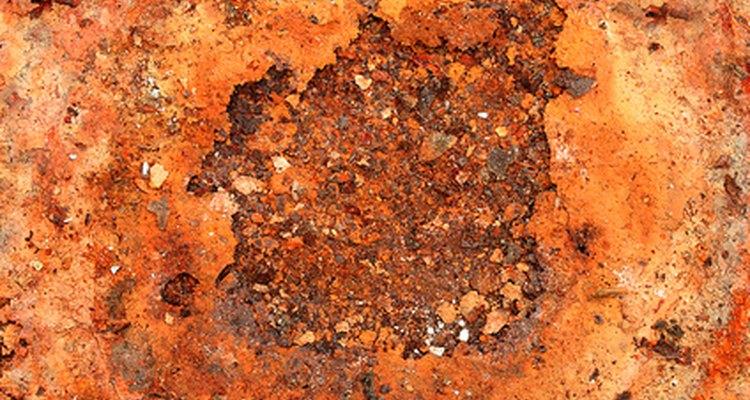 No necesitas productos abrasivos o peligrosos para limpiar esas ollas y sartenes oxidadas.