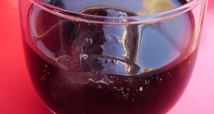 La fuente ancha mantendrá a la Coca Cola carbonatada.