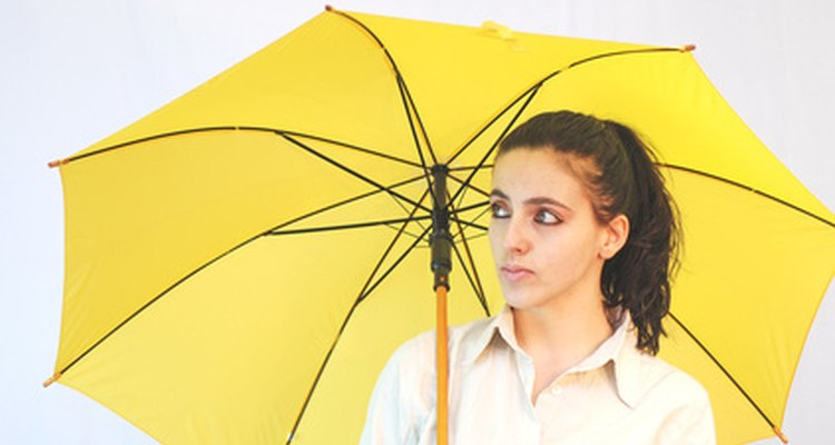 Altos níveis de bilirrubina podem tornar a pele e os olhos amarelados