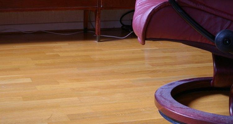 Os pisos flutuantes ou laminados são fáceis de manter se instalados corretamente