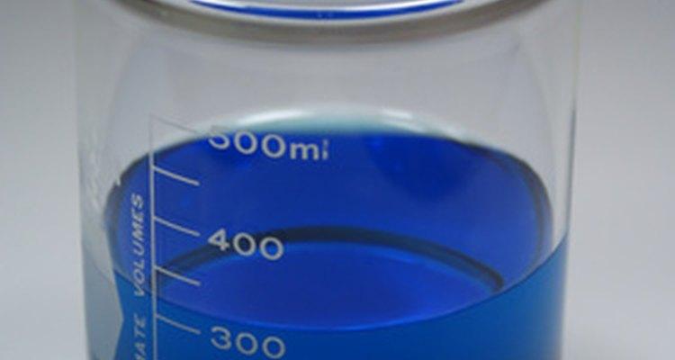 A dissolução de carbonato de sódio em água não é difícil, mas é importante seguir as instruções