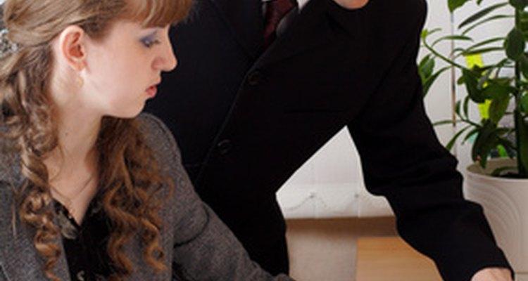 Los programas de capacitación en liderazgo incluyen actividades divertidas para que los participantes desarrollen las habilidades.