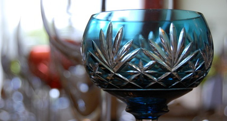 Cristal autêntico irá ressoar quando receber batidas suaves.