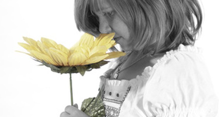 Try to restore your sense of smell and taste by using home remedies.