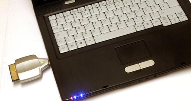 Um leitor de cartões USB permite ao notebook ler um cartão USB, se ele não tiver um leitor embutido