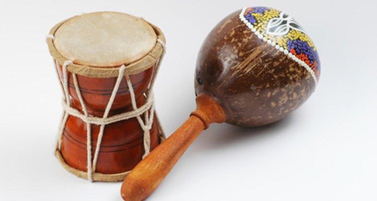 Aprenda sobre a cultura africana ao fazer instrumentos musicais