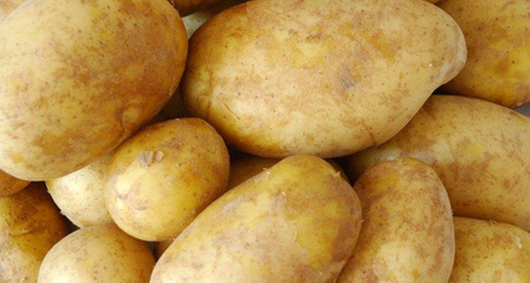 Las papas horneadas contienen un quinto de la grasa respecto a las papas fritas.