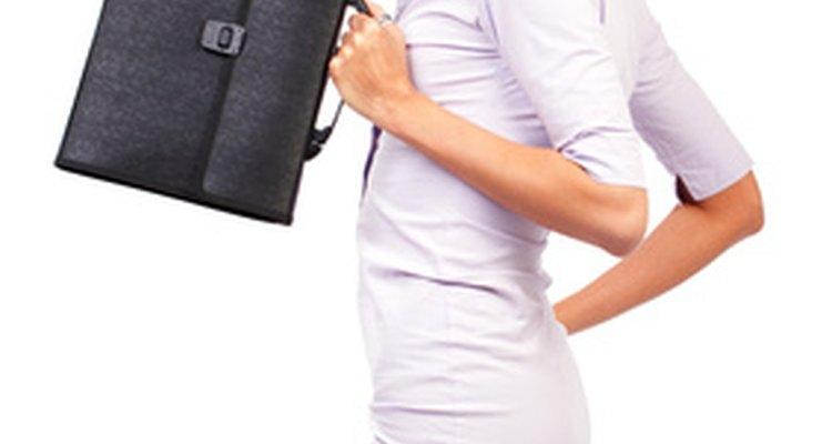 """Un vestido """"tipo camisa"""" es una gran inversión para una cena casual y para la oficina."""