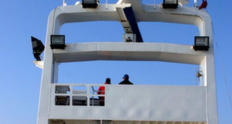 Trabajar en un barco atunero es difícil.