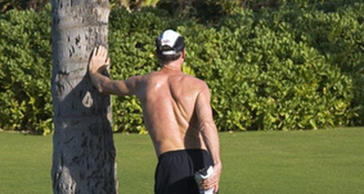 Lo estiramientos antes de una carrera pueden ayudarte a prevenir la reaparición de la periostitis.