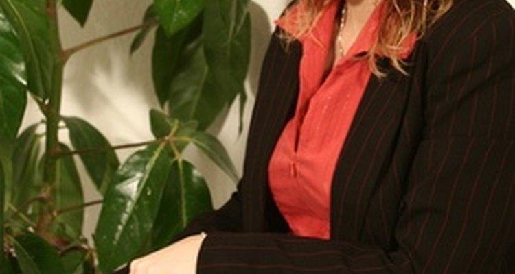 Las tareas administrativas de rutina son una parte importante del trabajo de un empleado administrativo.