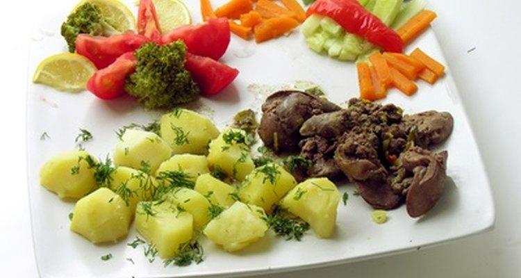 Expresse gentileza e gratidão ao pedir aos outros para trazerem um prato para o jantar