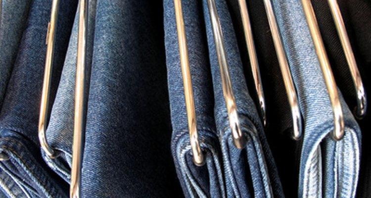 Hay muchas marcas, estilos y lavados de jeans de los que elegir tanto en EE.UU. como en Europa.