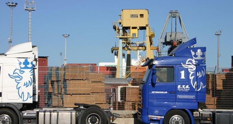 Um analista de logística é responsável por coordenar e gerir operações logísticas