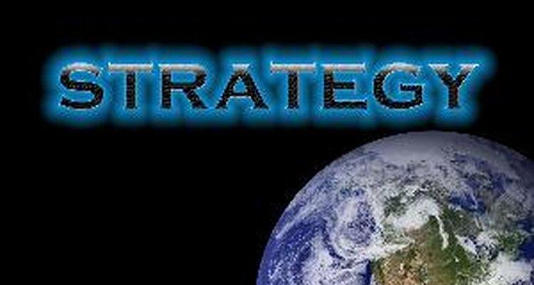 Existem quatro características da estratégia de nível de negócio