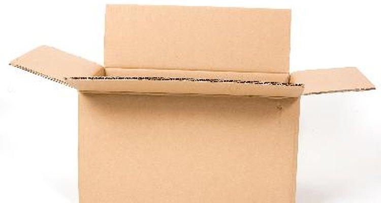 Una opción para hacer el cuerpo del toro, es usar una caja de cartón grande.