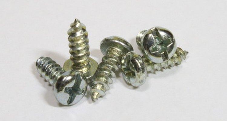 Todos los tornillos con una punta cónica son tornillos autoperforantes, no tornillos autorroscantes.
