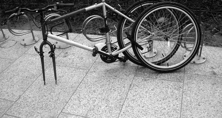 Tu vieja bicicleta puede verse colorida y novedosa en un desfile.