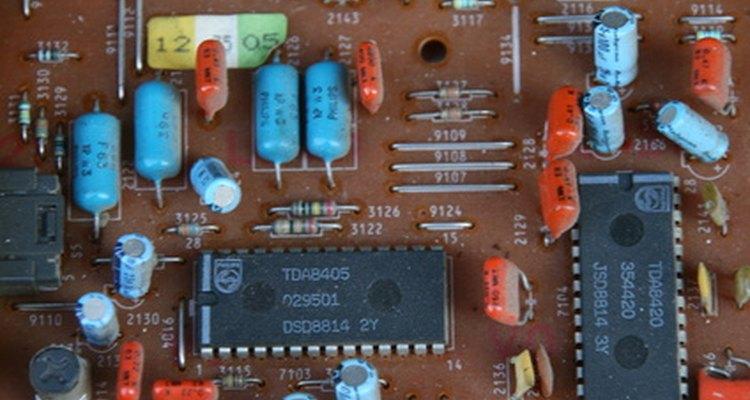 Cómo funciona un interruptor de 3 polos.