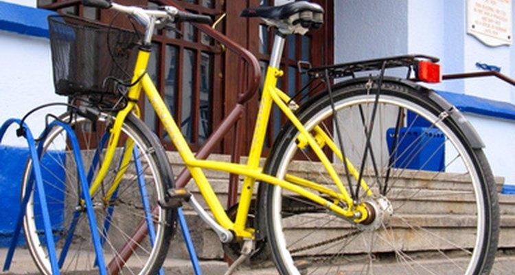 Pintar de uma bicicleta de carbono é semelhante a pintar qualquer outra