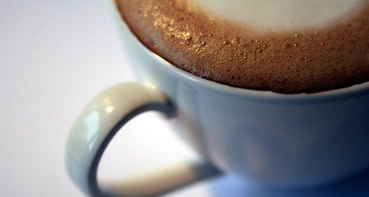 Puedes preparar tus propias bebidas de café con la máquina Mr. Coffee Steam.