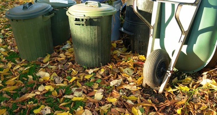Boas leiras de compostagem contêm quantidades iguais de verde e marrom