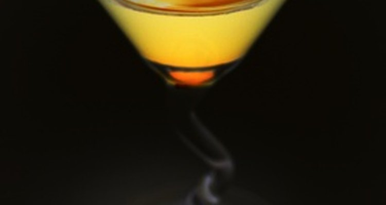 Los alcohólicos podrían abusar de la cerveza, vino o licores.