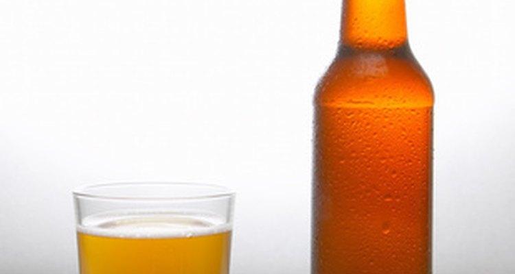 Las calorías de la cerveza provienen del alcohol, carbohidratos y en pequeña medida, de proteínas.