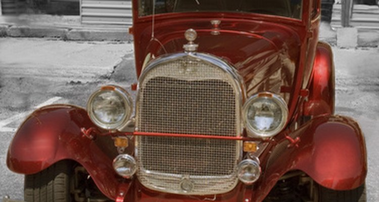 Hard tops replaced the canopy in the 1930s,