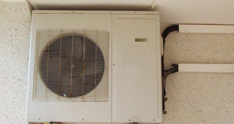 Los aire acondicionados de 5000 calorías refrescan habitaciones de entre 100 y 150 pies cuadrados  (9, 29 m2 y 13, 93 m2).