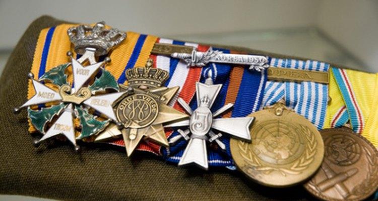 El orden de prioridad de los galardones del ejército se basa directamente en la dificultad para obtener cada medalla.