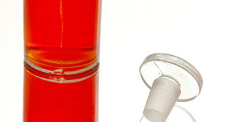Las fragancias contenidas en detergentes y jabones pueden causar irritaciones en las vías respiratorias, dolores de cabeza, ojos llorosos y estornudos.