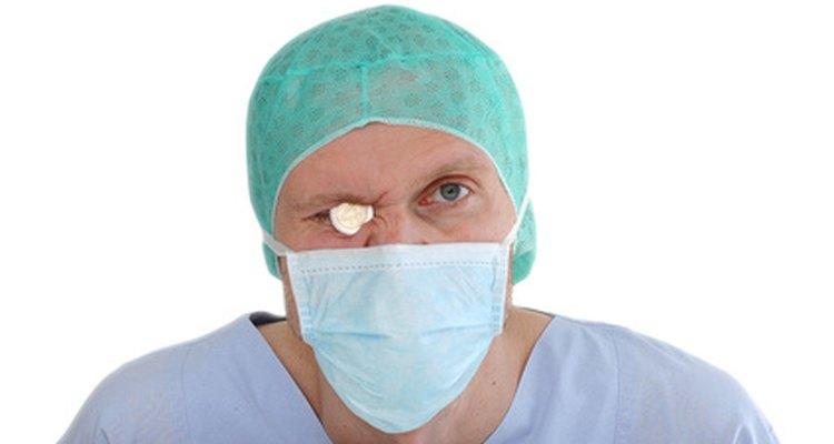 Los cirujanos son los médicos mejor pagos.