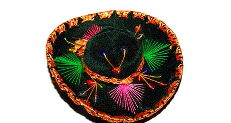 Sombreros são ótimos acessórios para um look de festa mexicana
