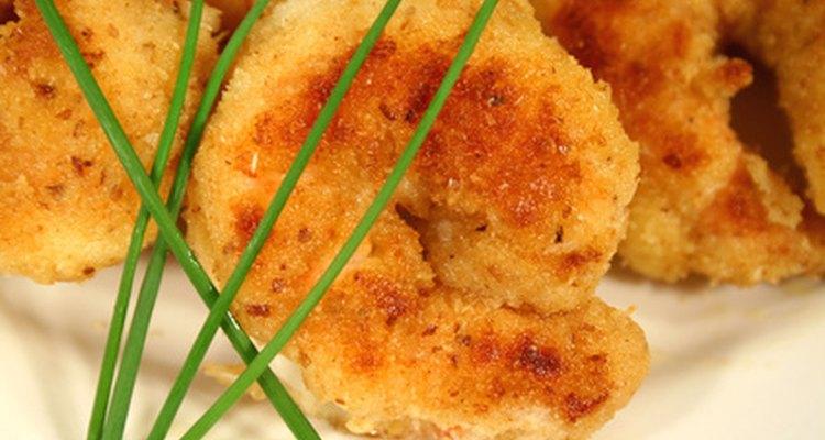 Consejos para empanizar camarones como plato principal.