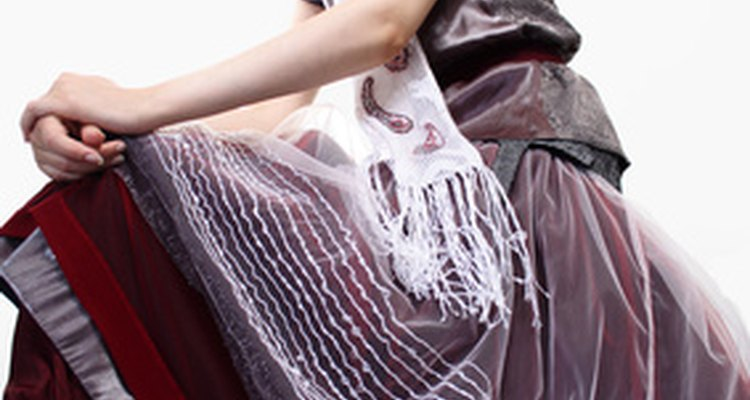 A long, full skirt will look very traditional