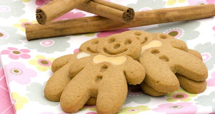 Haz galletas de jengibre con un toque personal.