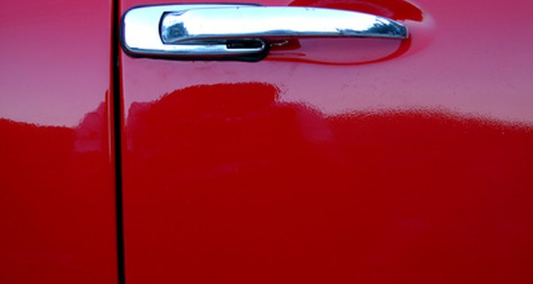 There are subtle differences between metallic and pearl auto paint.