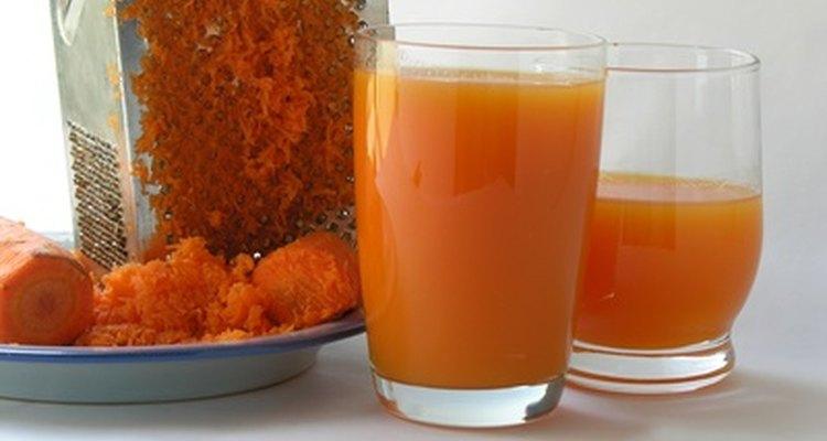 O suco de cenoura pode ser consumido em uma dieta de baixa caloria