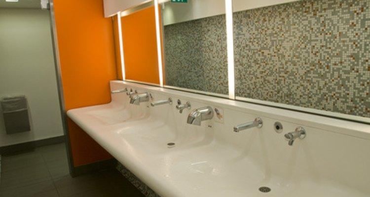 En la mayoría de los estados, la disponibilidad de baños para los clientes es definida por el Código de Construcción del Estado.