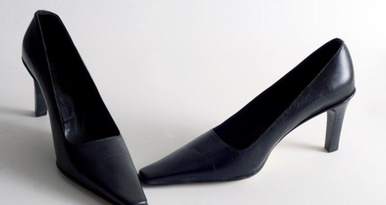 Aumente os seus sapatos prediletos com um acessório feito em casa