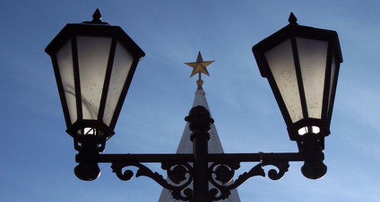 Street lanterns used isinglass windows.