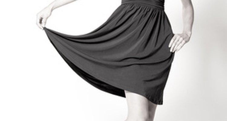 """Chanel dejó su huella en el mundo de la moda con su """"pequeño vestido negro""""."""
